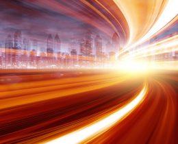 Como a velocidade da luz foi medida?